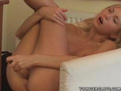 Hard Anal 4 Tranny with Huge Dick!