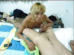 Amateur sex with a blonde tranny chick