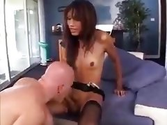 Yasmin's adventure finishes with cumshots for both
